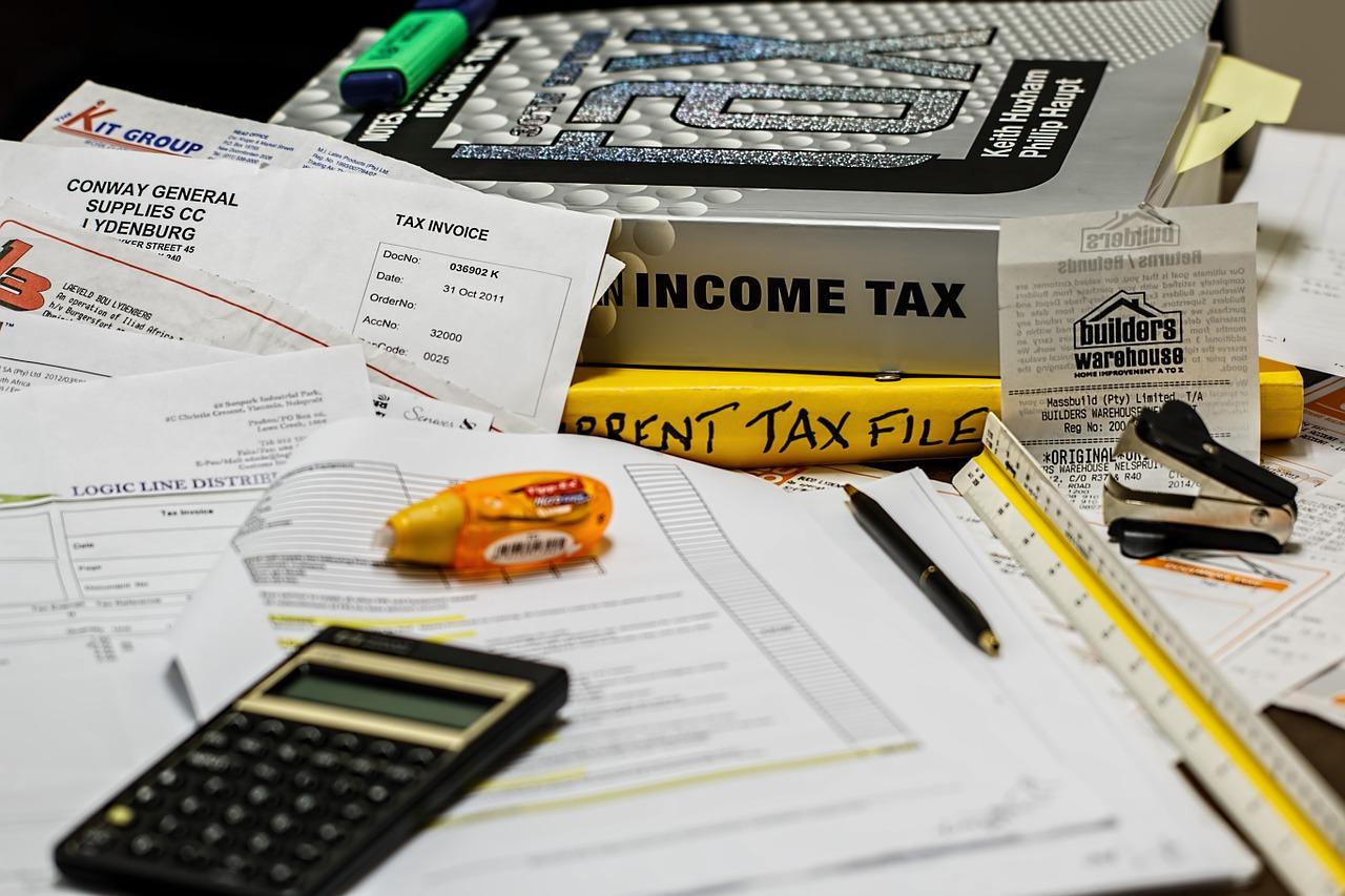 「税金」の英語。必要な英単語と関連表現をまとめて覚えよう!